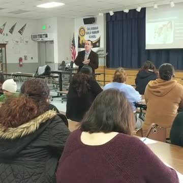 Chief of School Police Jill Poe and Director of Educational Technology and Support Rick Hassler hosted a social media workshop for Tracy Elementary parents, sharing ways parents can be more vigilant and involved with how their children use social media.