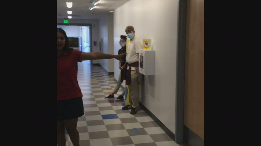 Video showing 4 students touring classes
