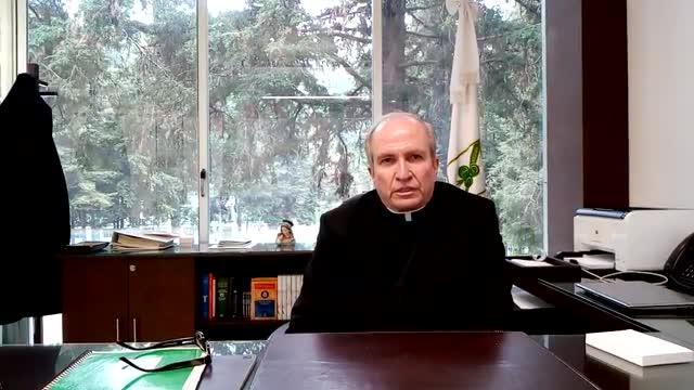 P. Rodoflo Mayagoitia habla sobre la entrega de boletas y reportes de calificaciones.