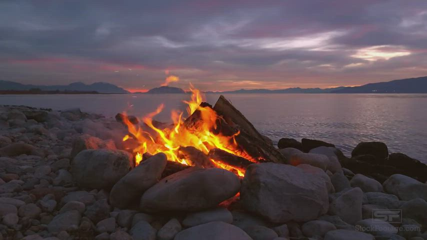 Crackling flame and gentle waves