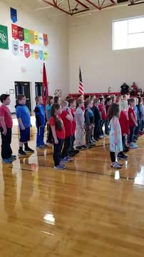 2nd grade students singing Thank a Vet