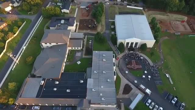 drone video of annual Fall Family Picnic at James River Day School