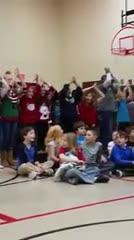 4th grade sings carols