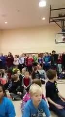 3rd grade sings carols