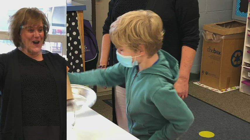 Students test out inertia with an egg