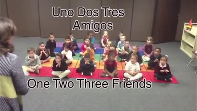 One, two, three friends song (La canción de los amigos)