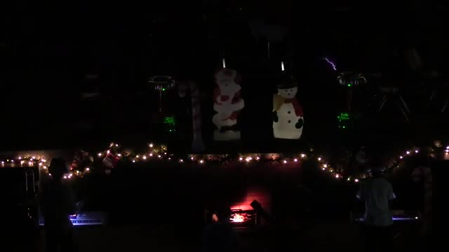 Carol of the Bells with Tesla coils - 2016