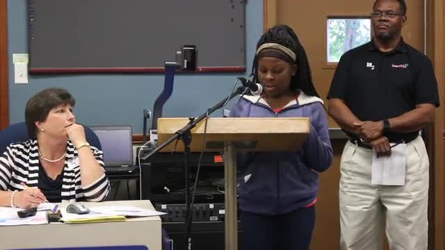 Kennadi Manning speaks to School Board