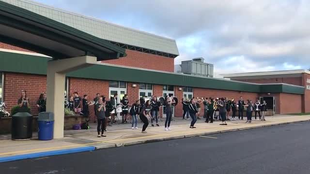 JBHS Band welcoming students to school with the JBHS Fight Song